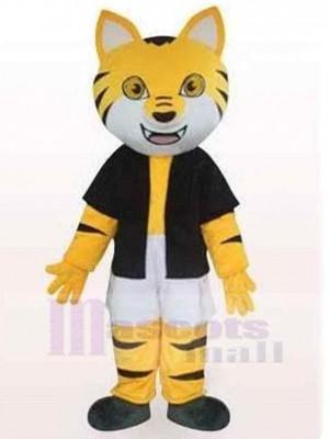 Schwarz-Gelb gestreifte Katze Maskottchen Kostüm Tier in schwarzer Kleidung